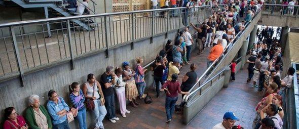 Crisis de Venezuela tiene al borde del colapso el sistema de transporte