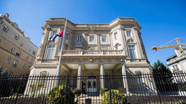 Consulado cubano en EEUU mantendrá todos los servicios pero avisa de retrasos