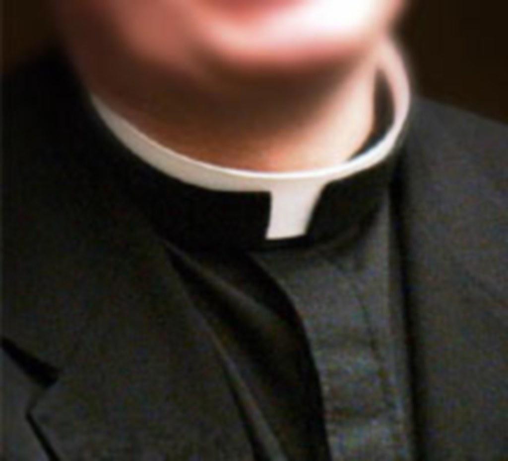 Un cura acusado de agresión sexual se suicida en una iglesia en Francia