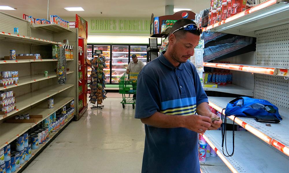 Supermercados en PR continúan desabastecidos 3 semanas después de María