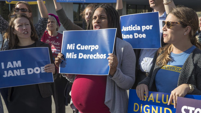 Corte ordena al Gobierno de Trump permitir aborto de una menor indocumentada