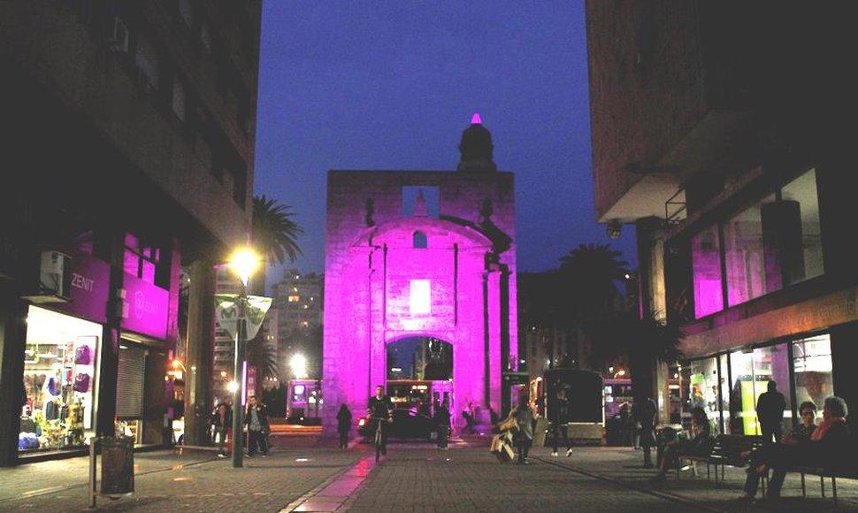 Uruguay se tiñe de rosa en el mes de lucha contra el cáncer de mama