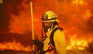 Fuegos en California (EEUU) dejan ya 35 muertos y 100.000 personas evacuadas