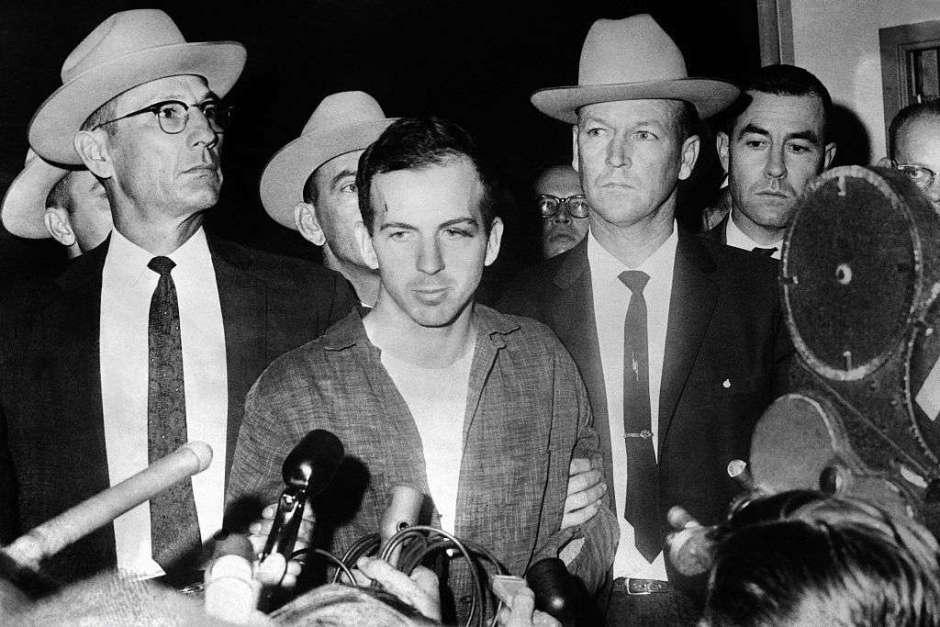 """Precio por matar a Castro, """"fiestas sexuales"""" y otros secretos de los archivos de Kennedy"""