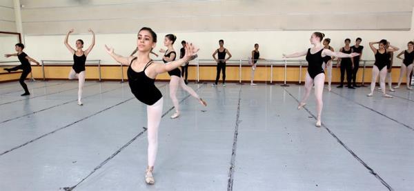 Cuba apuesta a su futuro en el ballet pese al