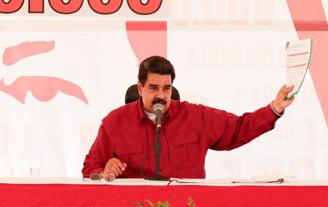 Maduro califica las elecciones de hoy de