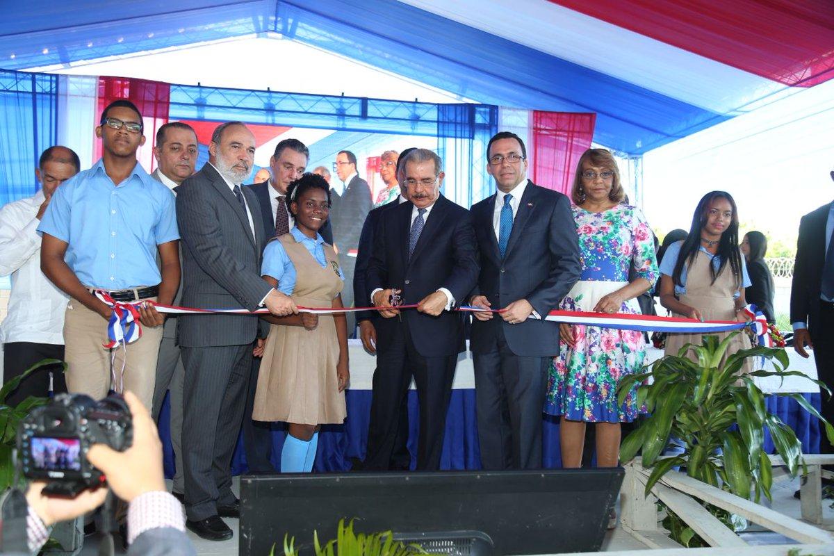 Presidente Medina inaugura seis centros educativos en San Pedro de Macorís
