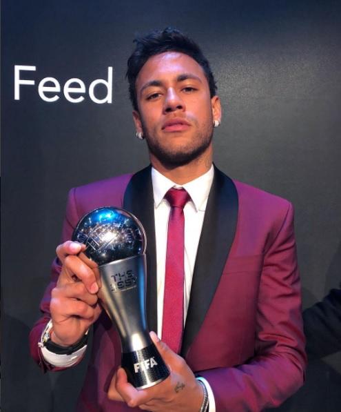 Neymar celebra en Brasil la Navidad arropado por su familia