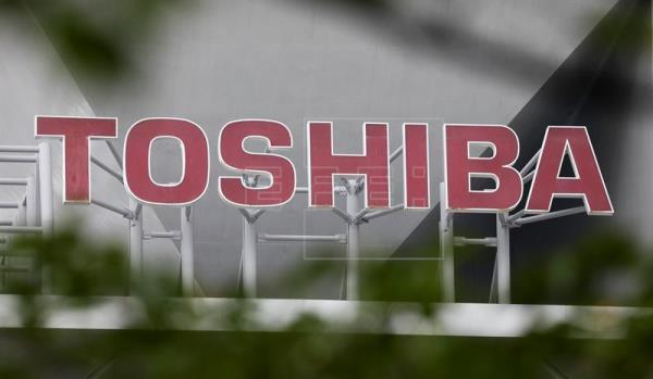 Accionistas de Toshiba aprueban la venta de su rama de chips a un consorcio