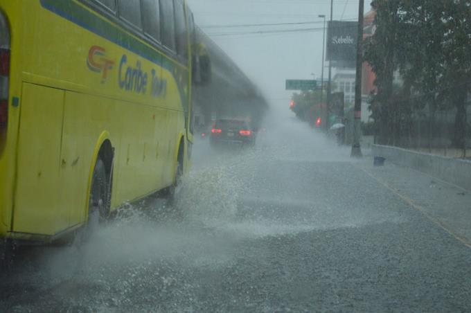 Onamet: Chubascos dispersos para esta tarde debido a vaguada