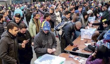 Venezolanos lideran solicitudes de residencia en Chile en 2017