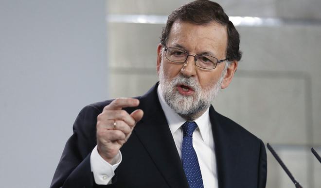 Rajoy subraya que suspendió el Gobierno catalán tras agotar