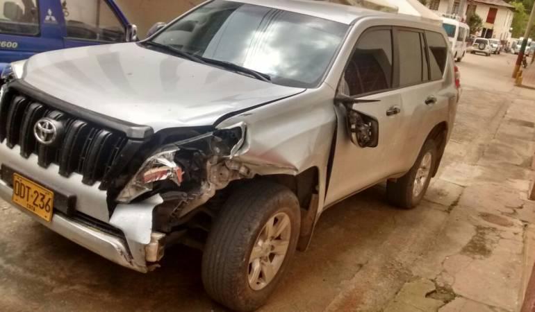 Investigan accidentes de vehículo oficial con dos heridos en Colombia