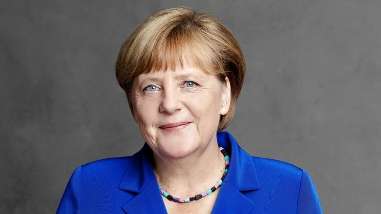 Merkel confía en acuerdo de gobierno tripartito a pesar