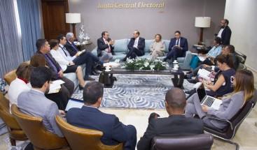 JCE sostiene reunión de trabajo con representantes de la CIDH