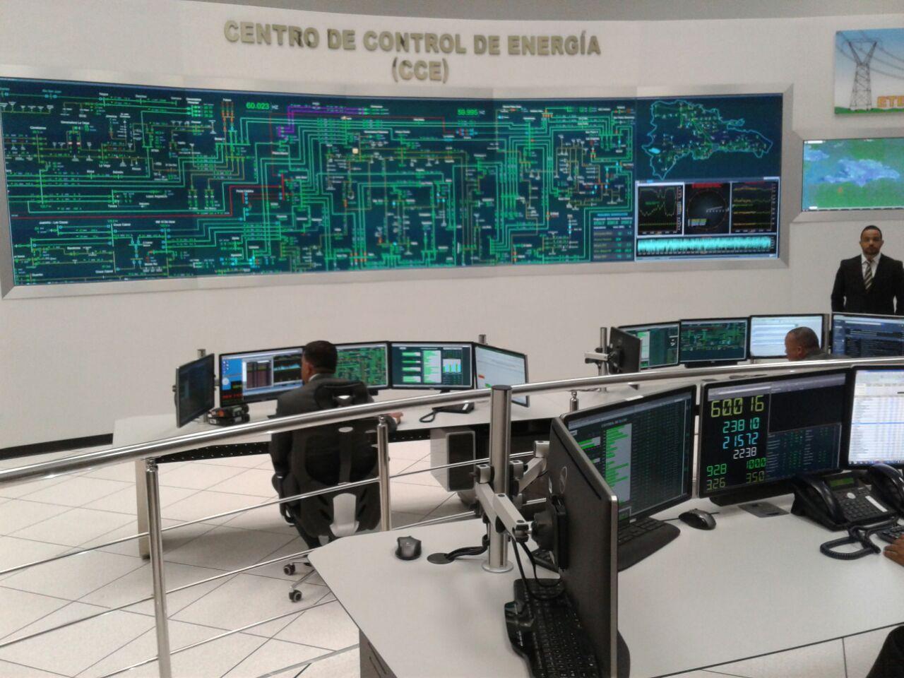 Presidente Medina inaugura Centro de Control de Energía de la ETED