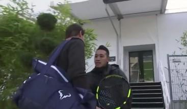 VIDEO: Guardia no reconoce a Rafael Nadal y casi le impide entrenar en París