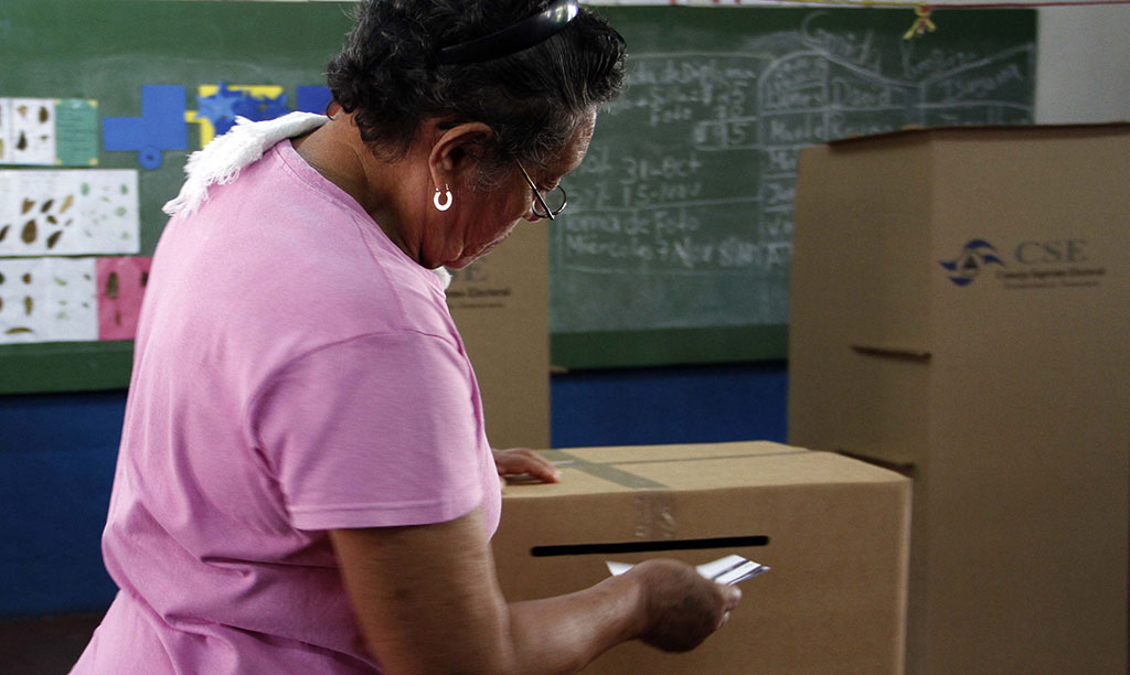 Abren los colegios electorales en Nicaragua para comicios municipales