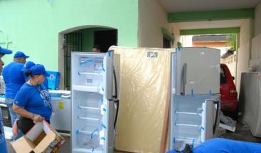 Plan Social entrega artículos del hogar a unas 20 casas residenciales de la UASD