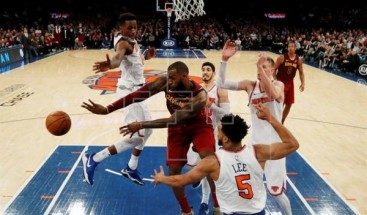 Warriors ganan sin Curry; James asalta el Madison y Sixers el Staples Center