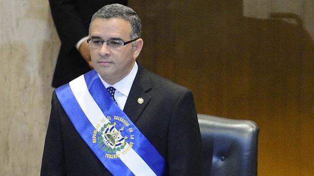 Corte condena a expresidente salvadoreño Funes y a su hijo por corrupción