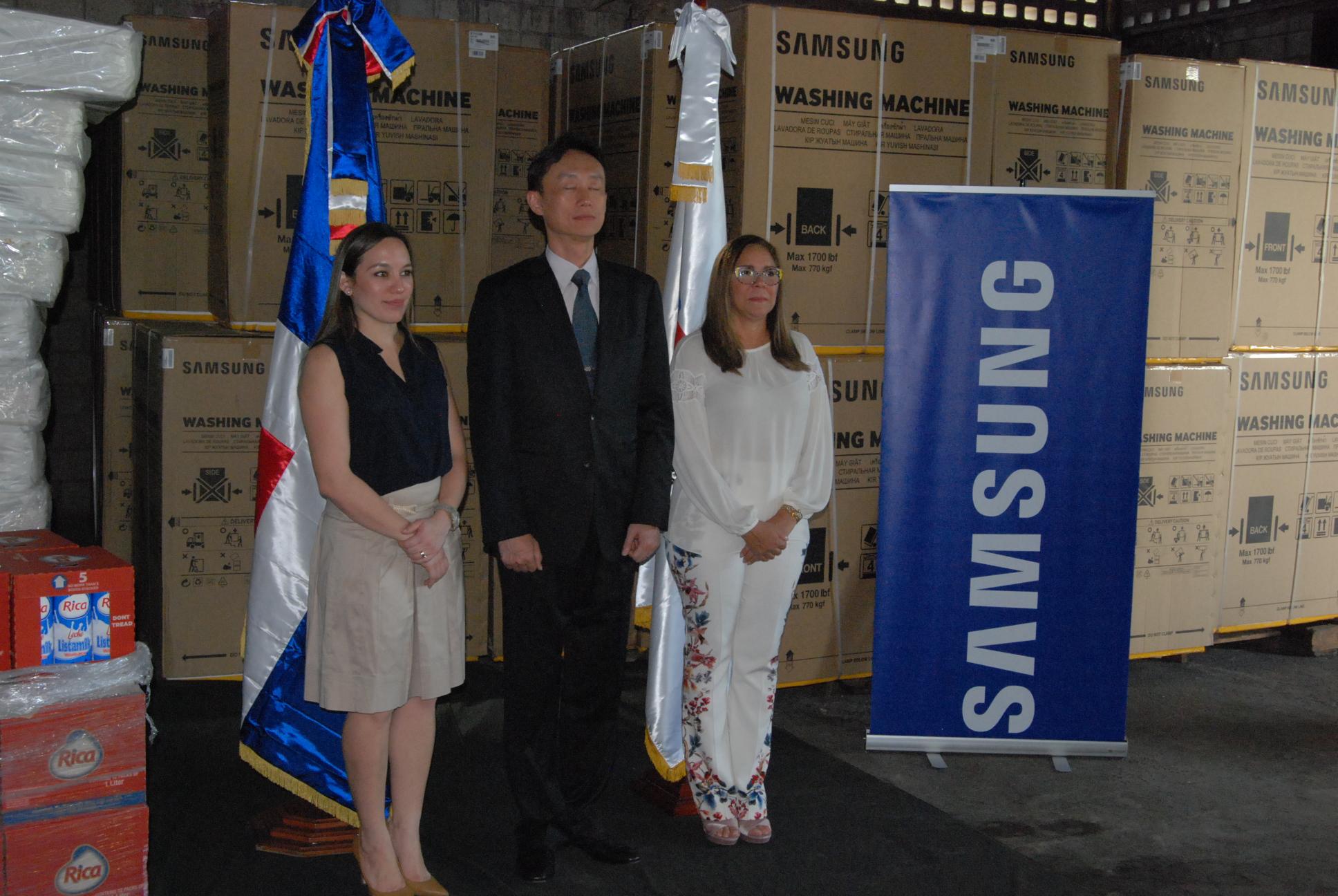 Plan Social recibe donativo de Samsung Dominicana para familias afectadas por inundaciones