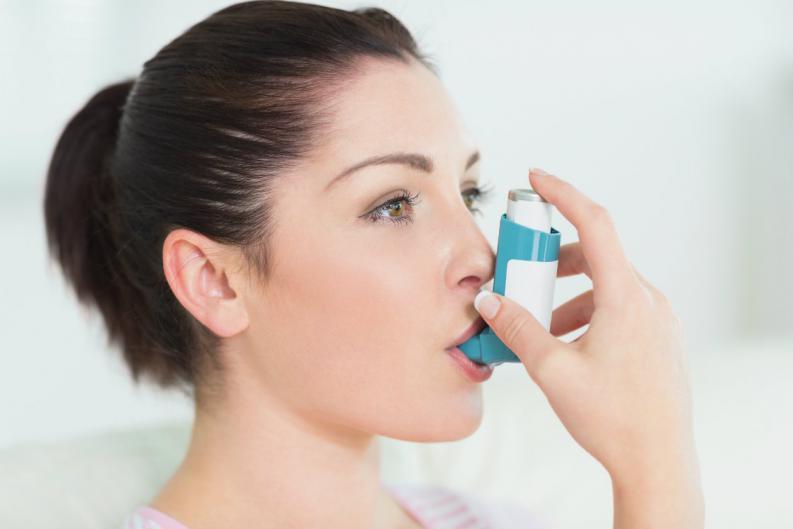 Estudio atribuye a las hormonas la mayor incidencia de asma entre las mujeres