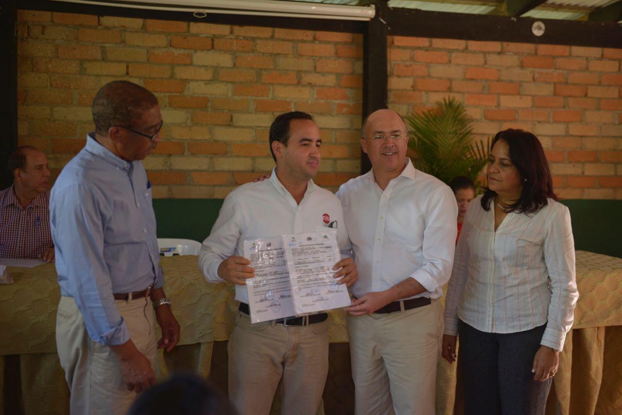 Medio Ambiente entrega certificados de plantaciones con derecho a corte