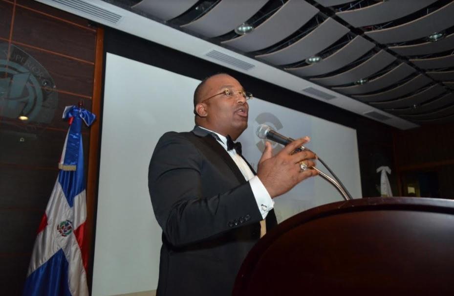 Diputado someterá varios proyectos de ley que buscan eficientizar la salud pública y la seguridad en el transporte