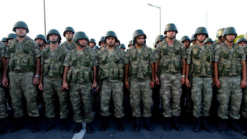 En la OTAN califican de 'enemigo' al Erdogan y este responde con el retiro de sus tropas