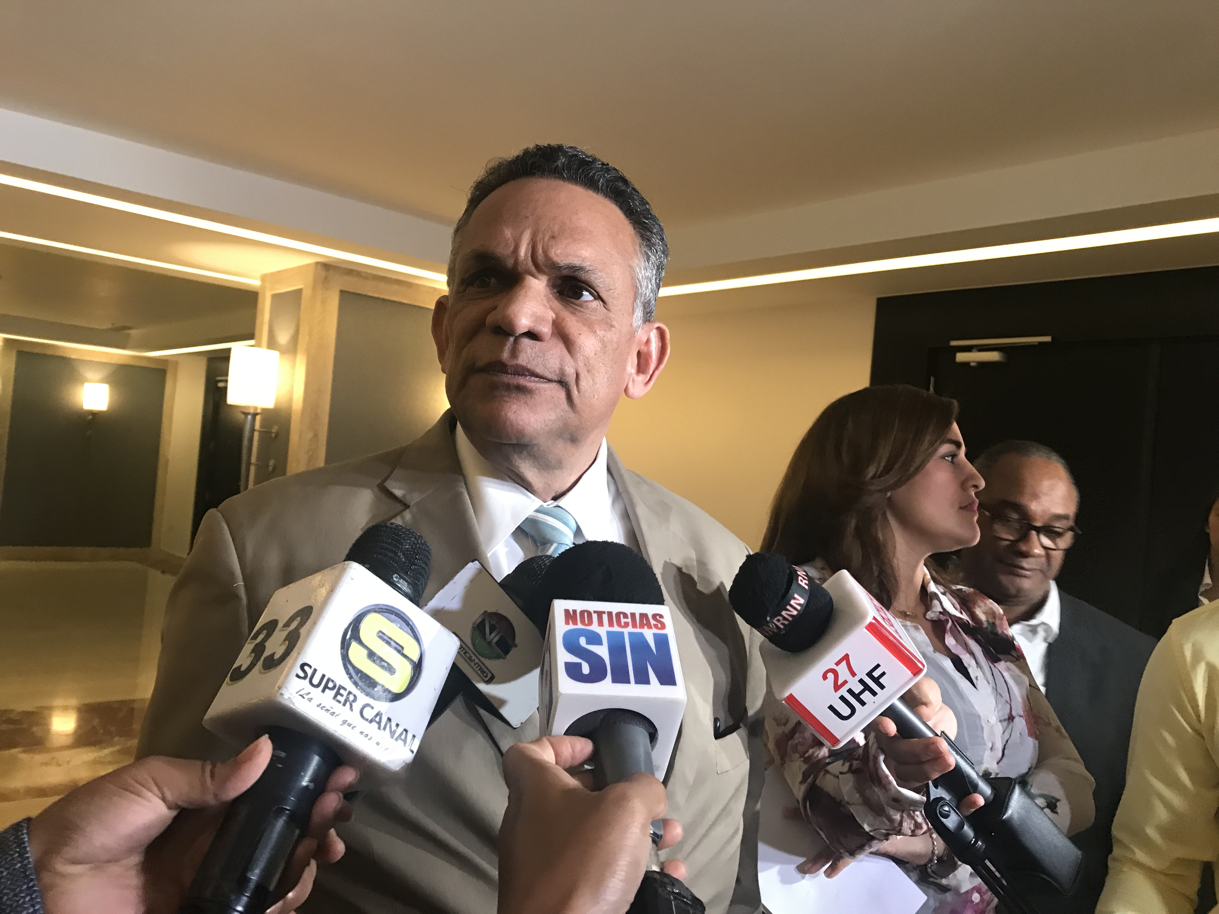 Ventura Camejo: Todos los empleados deben de colaborar con auditoría que realiza la CC en la OMSA
