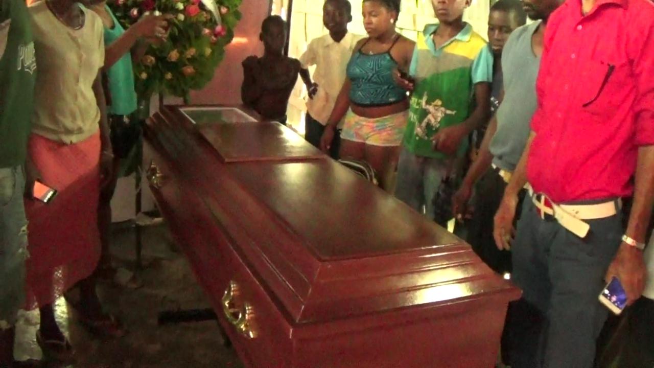 Hombre mata a mujer embarazada de mellizos en Boca Chica