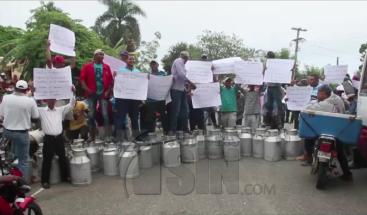 Protestan por reparación de carreteras en Dajabón