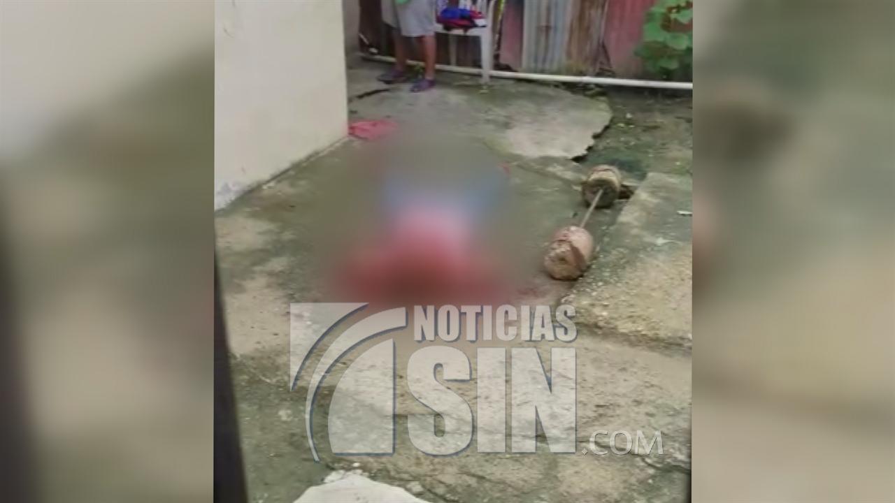 Hijo mata a su madre a machetazos en Villa Vásquez