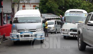 Pasajeros desesperados en Santiago por amenaza de posible aumento del pasajes en rutas interurbanas