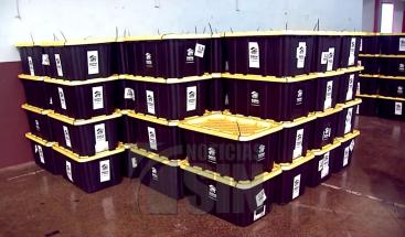 Organización entrega donativos a puertorriqueños para reconstruir viviendas afectadas por el huracán María