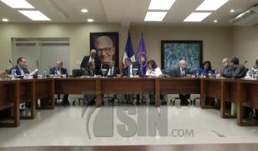 Legisladores leonelistas arremeten contra Ministro de la Presidencia por reunión con senadores