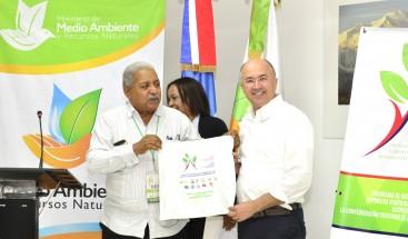 Centrales Sindicales RD y Haití se lanzan a trabajar por el Medio Ambiente