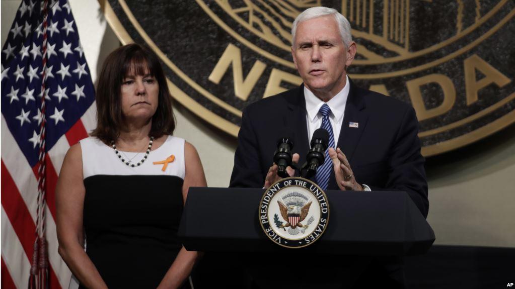 Vicepresidente de EEUU visita a supervivientes de tiroteo en iglesia de Texas