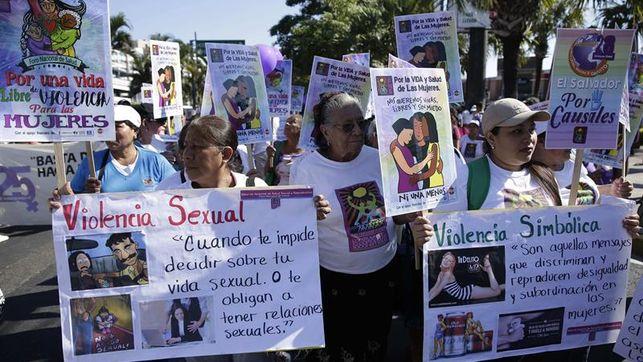 Políticas débiles y cultura ponen en la cúspide al feminicidio en América Latina