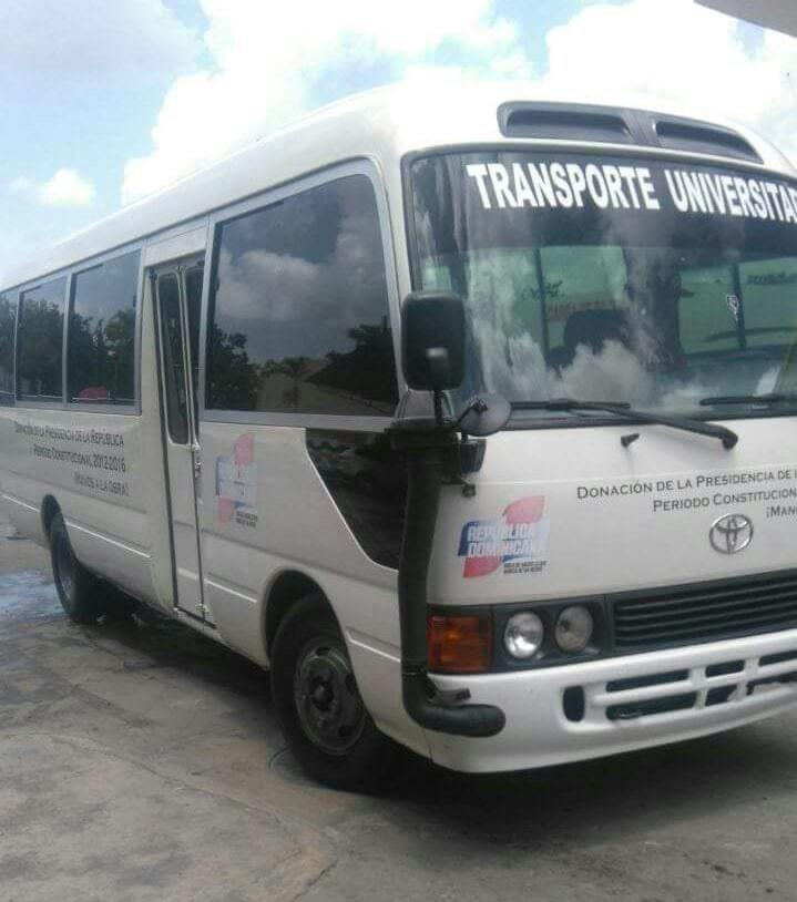 Desconocidos roban autobús estudiantil en Tenares