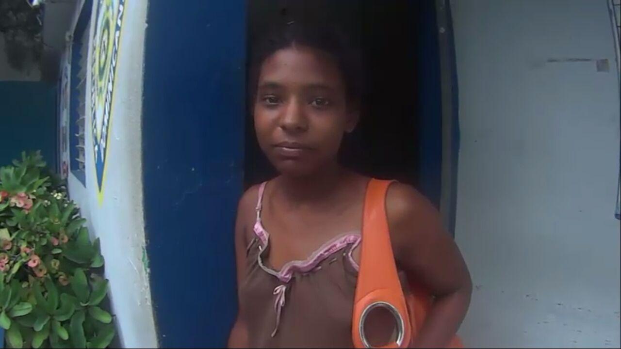 Una joven está extraviada en Villa Riva