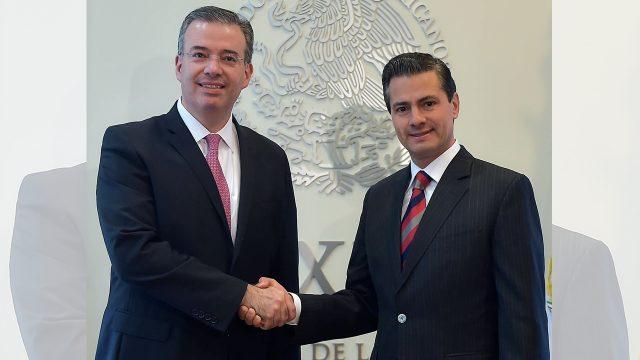 Peña Nieto designa a Alejandro Díaz de León para encabezar el Banco de México