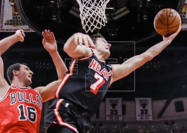 Dragic y Ellington mantienen ganadores a Heat y entran en playoffs