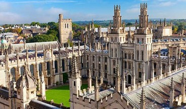 Oxford y Cambridge invirtieron millones