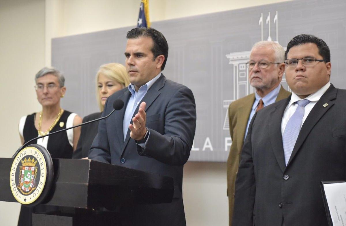 Puerto Rico pide a las funerarias que informen de muertes del huracán María