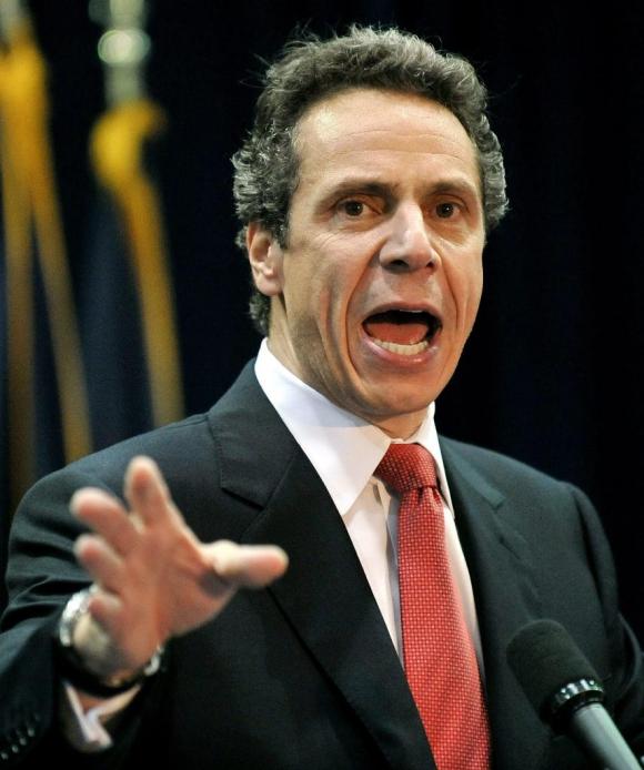 Demandan al gobernador de Nueva York por ignorar quejas de acoso sexual
