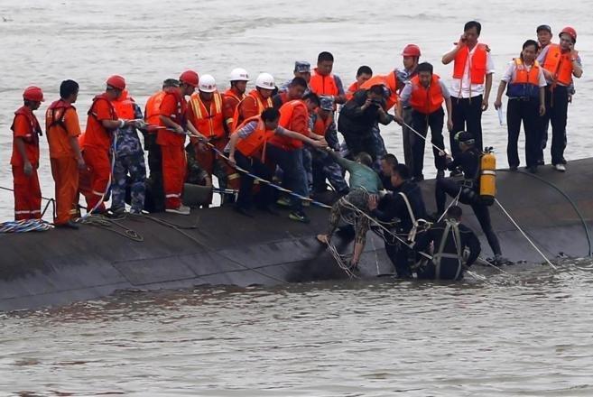 Aumenta a 20 la cifra de muertos en un naufragio en el sur de la India