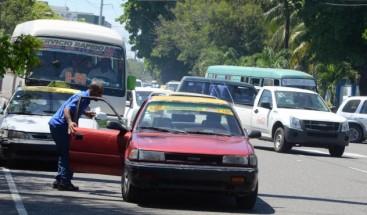 Transportistas insisten en que es inevitable aumentar el pasaje debido al alza de los combustibles