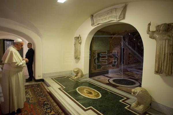 El papa abre el proceso para la canonización de Juan Pablo I